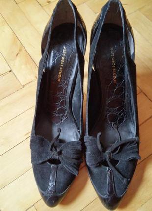 Фирменные с натуральной кожи и замша туфли на среднем каблуке4