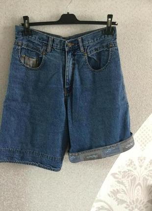 Очень приличные джинсовые шорты для отдыха