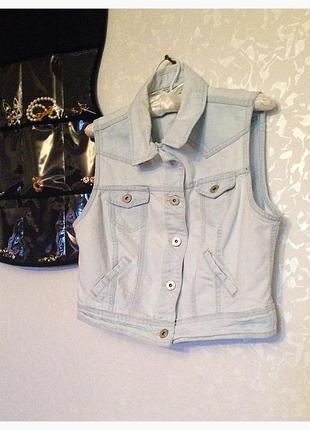 Крутая джинсовая жилетка new look