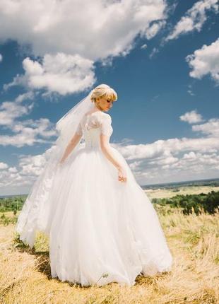 Свадебное платье для очень нежной невесты.