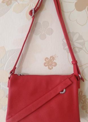 Стильная красная сумочка daniele patrici