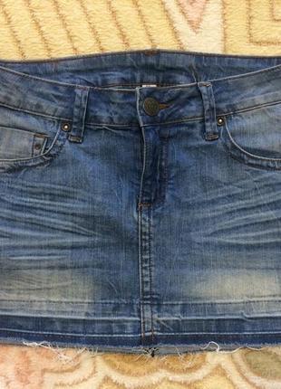 Молодежная джинсовая юбка mango 36 размера