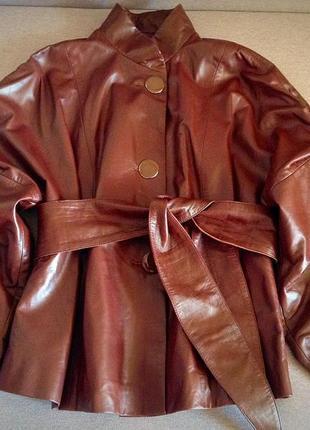 Стильная кожаная курточка шоколадного цвета!