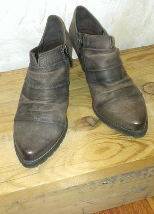Кожаные ботиночки tamaris 38 размера