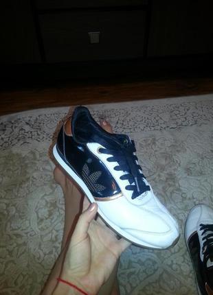Adidas respect me кроссовки 38.5-39р.