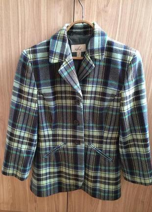 Импозантный клетчатый пиджак she!