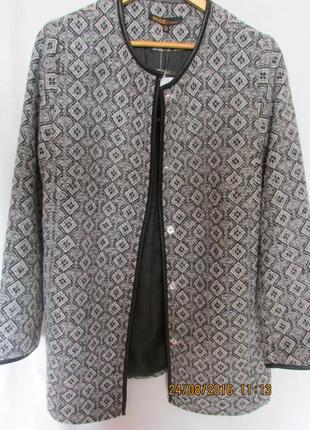 Легкое демисезонное пальто кардиган с кожаной отделкой свободного кроя трапеция