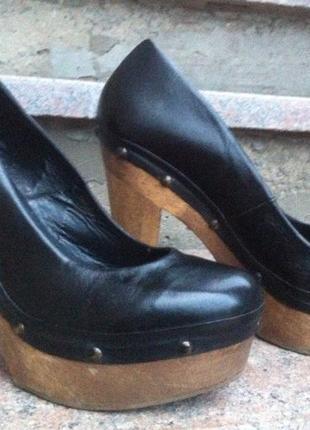 Крутые черные туфли bershka