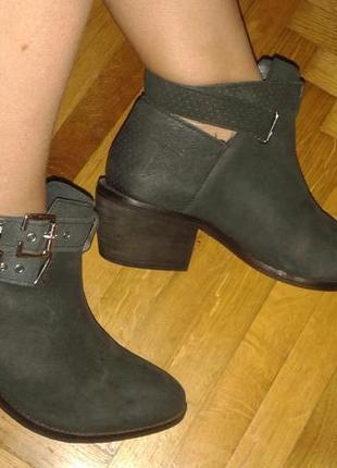 Отличные новые ботинки кожа нубук от h&m,p.41