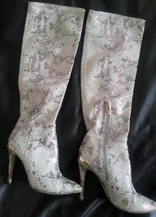 Супер-стильные кожаные сапоги