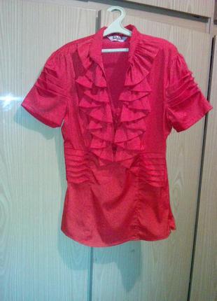 Красивая блузка с коротким рукавом