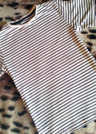 Крутая женская футболка в полоску тренд лета