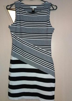 Модное платье в полоску mango,размер м (44-46)
