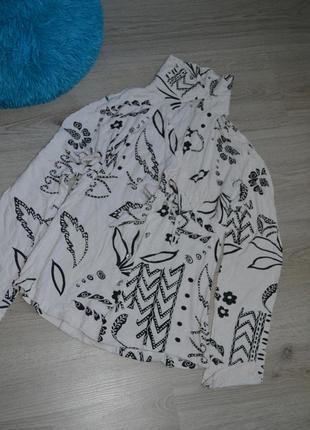 Блузка с узорами