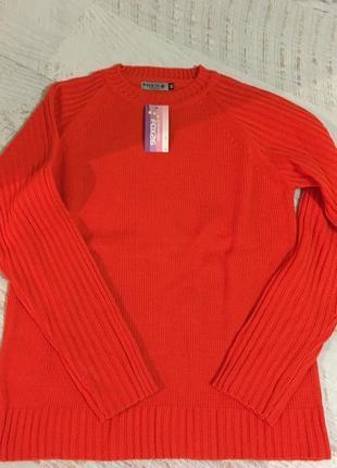Новый яркий свитеров испанского бренда