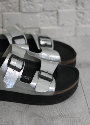 Босоножки на платформе серебрянные preppy