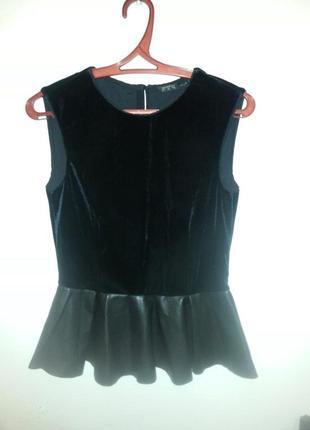 Блузка нарядная черная
