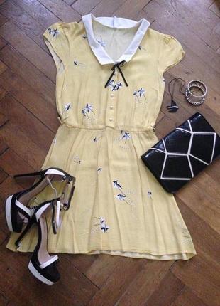 Летнее платье с воротничком