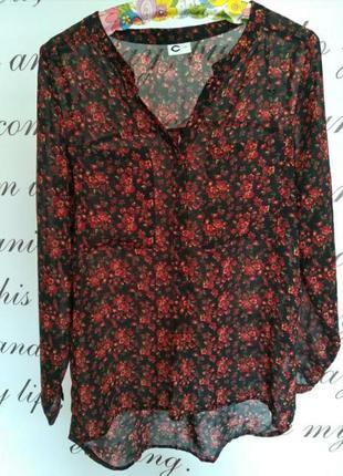 Блуза с очегь красивым цветочным принтом