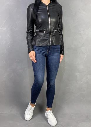 Косуха кожаный пиджак с баской zara.