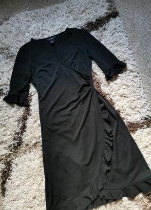 Платье миди чёрное на запах с рюшами express