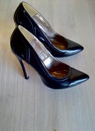 Модельные туфли yudashkin