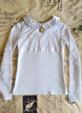 Красивая блузка в школу.