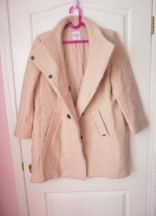 Шикарное шерстяное пальто цвета пудры на осень3 фото