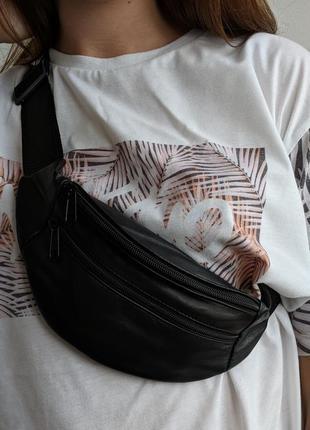 Cтильная бананка натуральная кожа, сумка на пояс черная матовая кожа