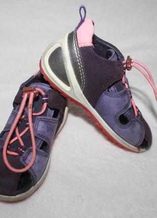 Летние туфли сандали фирмы ecco 25 размера