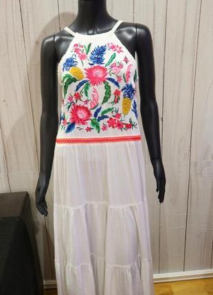 Шикарное летнее платье сарафан с вышивкой