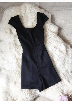 Чёрный ромпер комбинезон шорты с красивой спиной