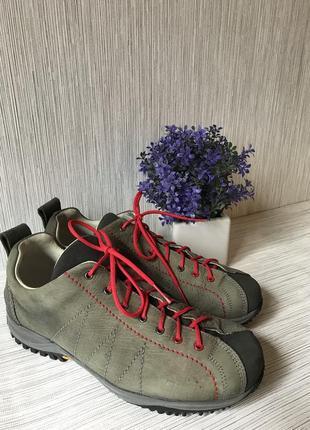 Женские треккинговые ботинки/vibram
