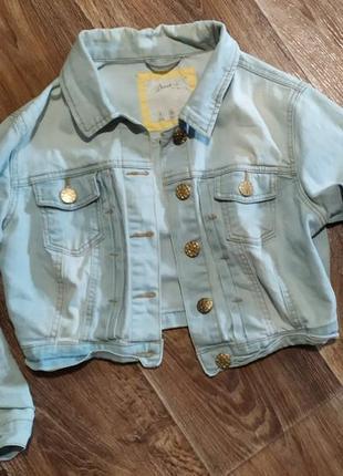 Джинсовая куртка короткая джинсова курточка