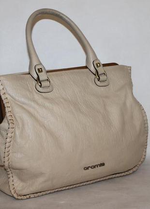 Кожаная сумка cromia в нюдовом оттенке