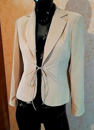 Пиджак жакет песочного цвета