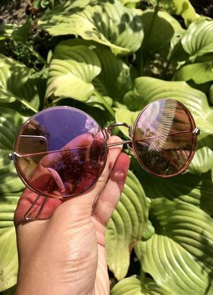 Круглые солнцезащитные очки розовые стекла, металлическая золотая оправа