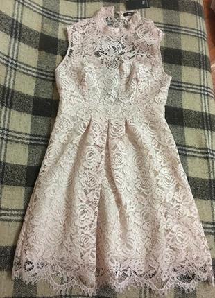 Нереально красивое ажурное платье с голой спинкой
