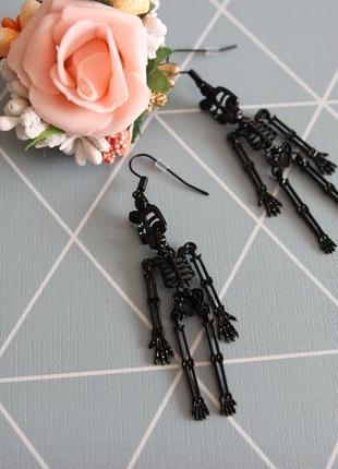 Серьги-весюльки, сережки от monki halloween з сайту asos