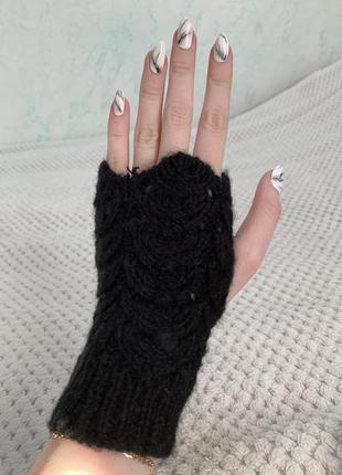 Чорні рукавички з відкритими пальчиками