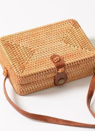Сумка женская прямоугольная из ротанга плетеная пляжная. сумочка бали соломенная