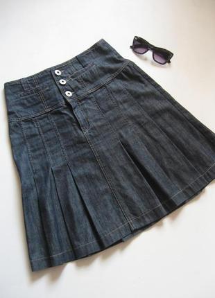 Джинсовая юбка в складочку - изюминка вашего гардероба!