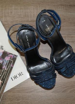 Блестящие, с блестками , синие босоножки на каблуке