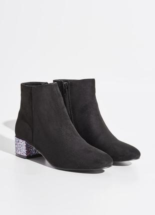 Ботинки блестящий каблук sinsay 37 размер, стелька 24см.