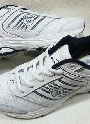 Белые кожаные кроссовки bona