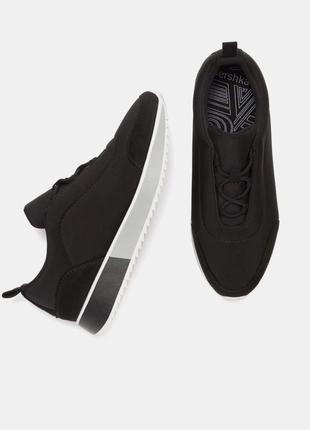 Крутые элегантные кроссовки bershka