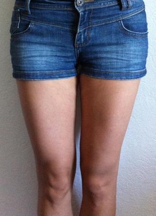 Сексуальные джинсовые шорты. s/ м