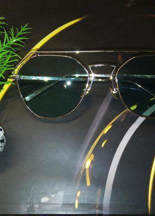 Очки в золотой металической оправе стекло зелёный градиент