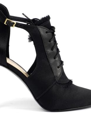 Натуральная замша.туфли с острым носиком на шпильке чёрные и серые цвета.новые.nine west