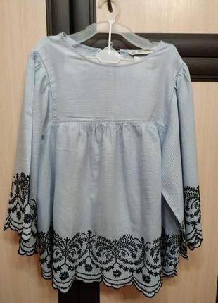 Блузка  с вышивкой фирмы zara basic
